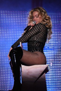 beyonce-black-sparkly-mesh-leotard-at-made-in-america-festival