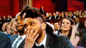 Weeknd-put-hand-his-face-Stacey-Dash-walked-off-stage
